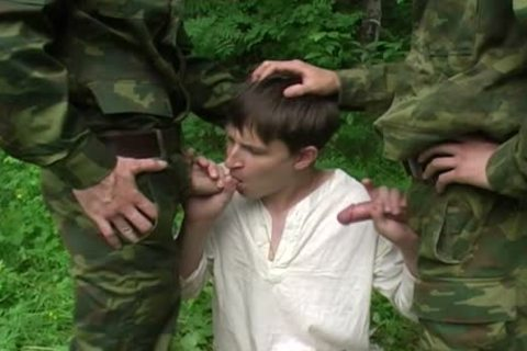 Two Military males receive blowjob From A young teen