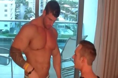 Zeb Atlas In one more Hotel Room