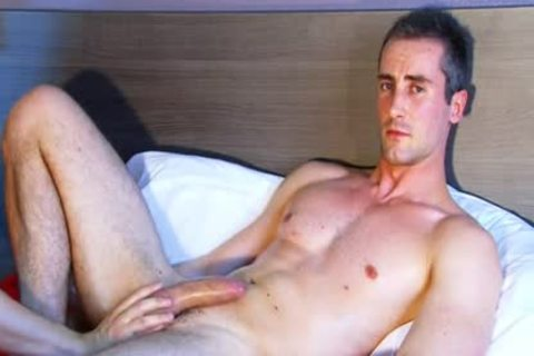Full clip: A beautiful virginal straight twink Serviced His large penis By A twink.