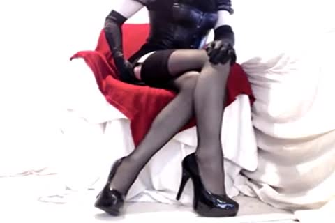 delicious Seamed nylons And Heels