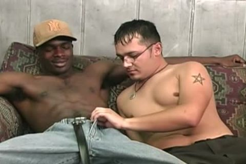 Hung black men Sharing A juicy White guy