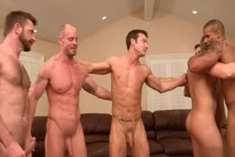 Muscle homo a bit of wazoo With cumshot