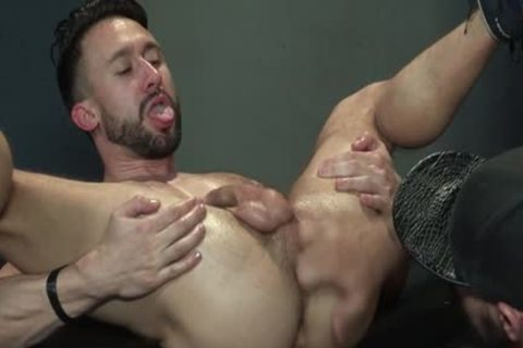 Muscle Bear Foursome And semen flow