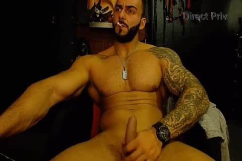 MusclesMaster. My Body And My dominant Attiude Will Be For Sure Your Fetish!