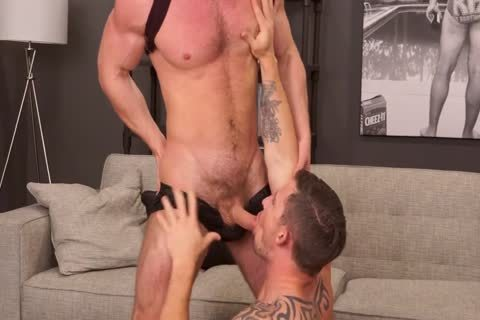11-13 11   Kurtis Wolfe Wakes Up Richard Pierce With His enormous Hard penis