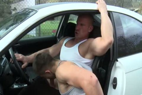 Muscle Daddy butthole invasion And cumshot