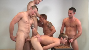 Muscle Worship - Phenix Saint and Johnny Rapid ass Hook up