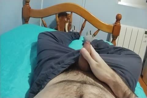 Me wanking At bed