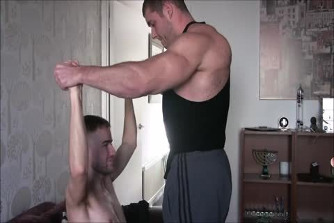 B!G C0NN3R HEATED MUSCLE WORSHIP