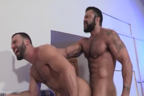 Rogan Richards bangs Abraham Al Malek