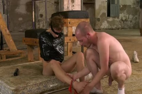 Blindfold twink Casper Ellis Wrapped Up For Maledom handjob