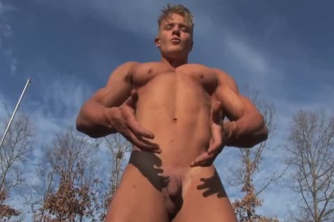 sexy Blond Micah J in nature's garb Show