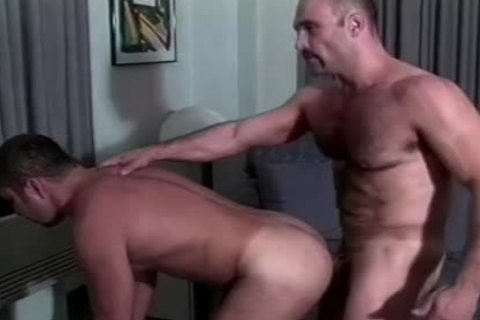 Muscly Hunk bonks A yummy ass doggy style