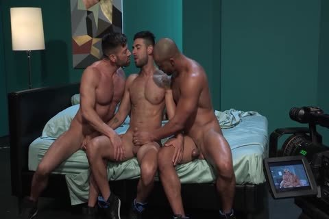 gay Pornstars Bruce Beckham, Jason Vario And Mick Stallone In gay Male Porn Tube video scene