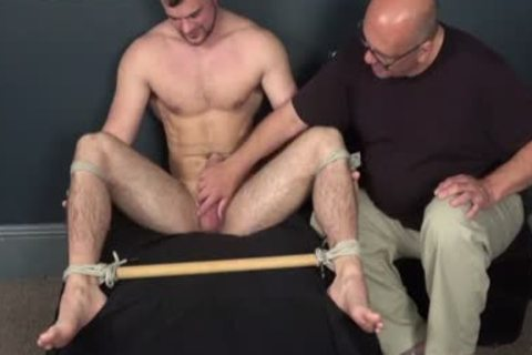 tied lad Serving
