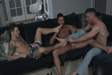 Hotel Massage nail With Two Hunks