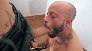 Shaved Bo Sinn bareback giving head for big dick
