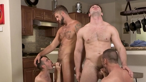 Family Dick: Joe Ex and Myles Landon in the shower