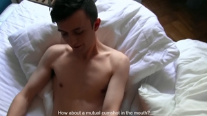 Czech Hunter - Handjob in the bed