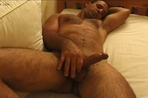 delicious hairy wank