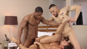 Noir Male - American Elijah Wilde fucks with huge dildo