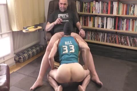 Tall Muscle Hunk Pumping Full Nacko sperm Load
