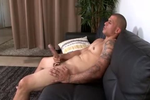 Muscle Latino With large penis