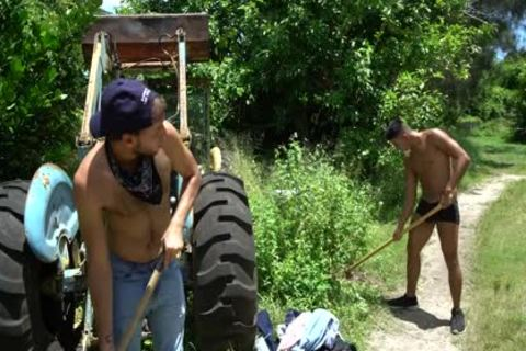 Farmer twinks Jay Seabrook And Tim Hanes Work Out