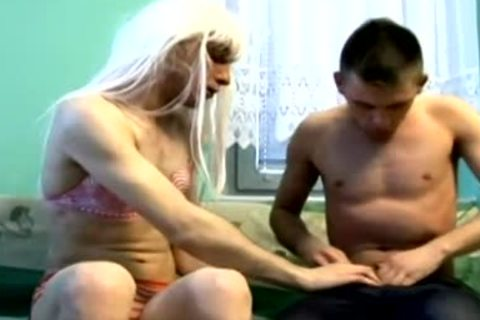 blond cross dresser takes it bare in the ass